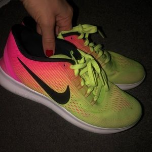ombre nikes! yellow to pink! lightly worn!
